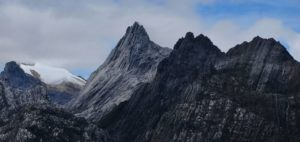 Gunung Tertinggi di Indonesia (Puncak Jaya)