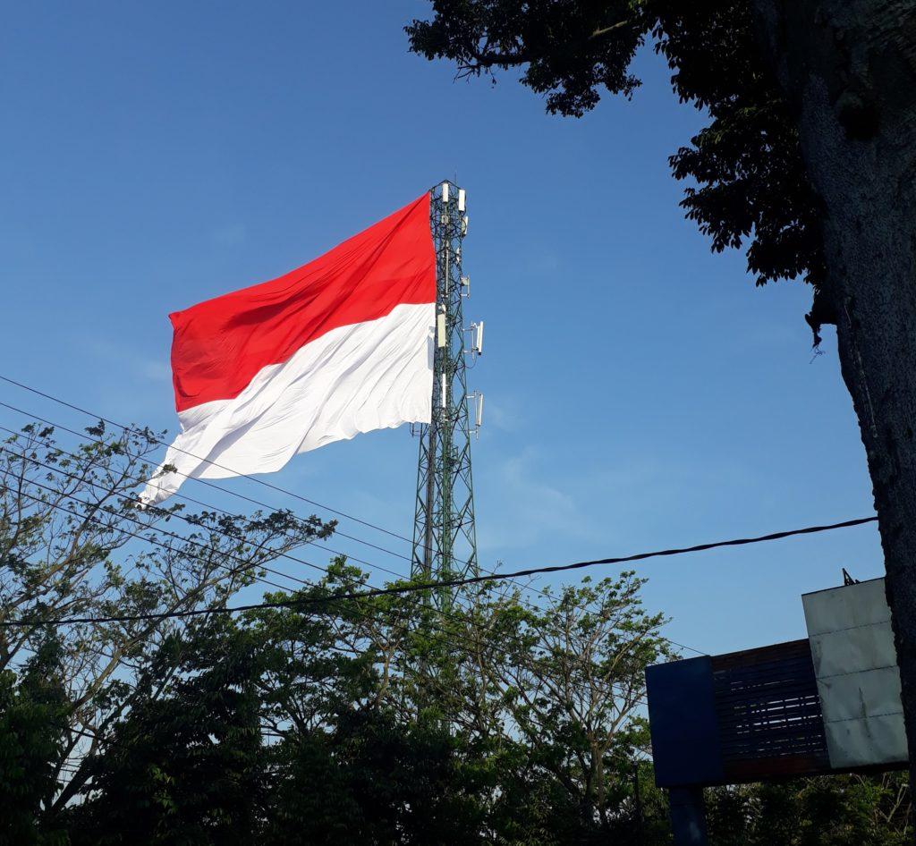 Bendera-Merah-Putih-Berkibar.jpg